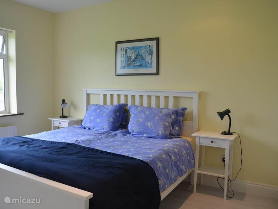 The bedrooms are provided in the summer of 2014 a new laminate floor. Two bedrooms are also the beds renewed.