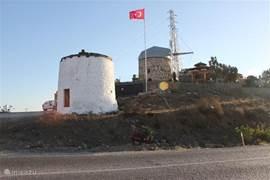 Oude windmolens gelegen tussen Yalikavak en Bodrum