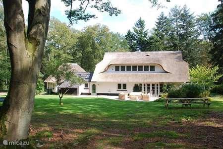 Vacation rental Netherlands, Gelderland, Beekbergen manor / castle Zonnewoud