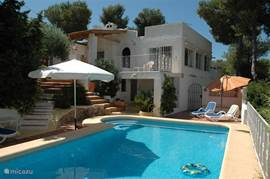 Villa Carasol gezien vanaf het zwembad