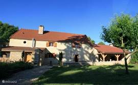 Beautifully secluded country villa. Situated on over 3000m2 garden center in tranquil hamlet in Burgundy.