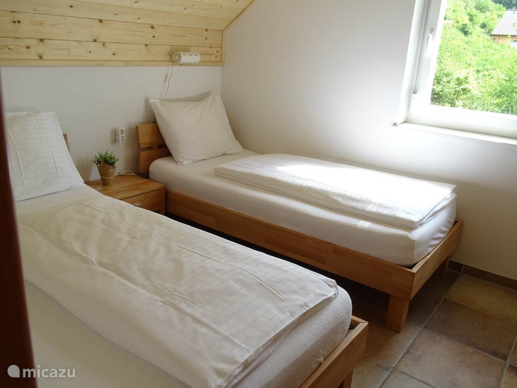 3 double bedroom 90 x 200 cm bed and 140 x 200 cm