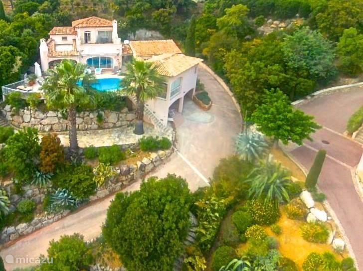 Zeer fraai gelegen Villa Carpe Diem in Les Issambres