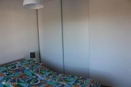 slaapkamer 3, met vaste schuifkast