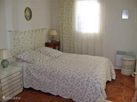 Slaapkamer 1 met dubbel bed