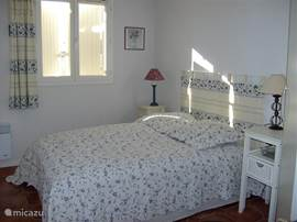 Slaapkamer 2 met dubbel bed