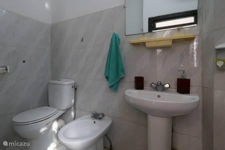 badkamer inclusief hand en baddoek