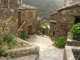 Xistodorpje Talasnal. Dit dorpje is een bezichtiging waard.