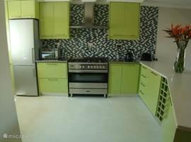 Design keuken, volledig ingericht, kwaliteit apparatuur