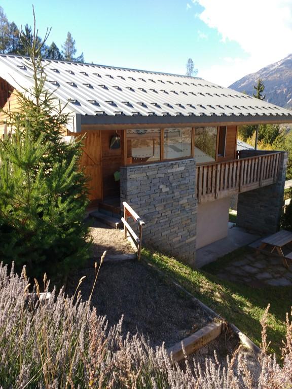 24 juni tot 1 juli beschikbaar voor € 390 euro plus schoonmaak.. Zie ook onze (*CONTENT HIDDEN*) (*CONTENT HIDDEN*) Prachtig gelegen chalet met uitzicht op bergen