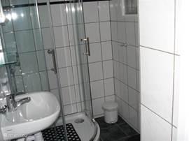 Luxe douce met toilet.