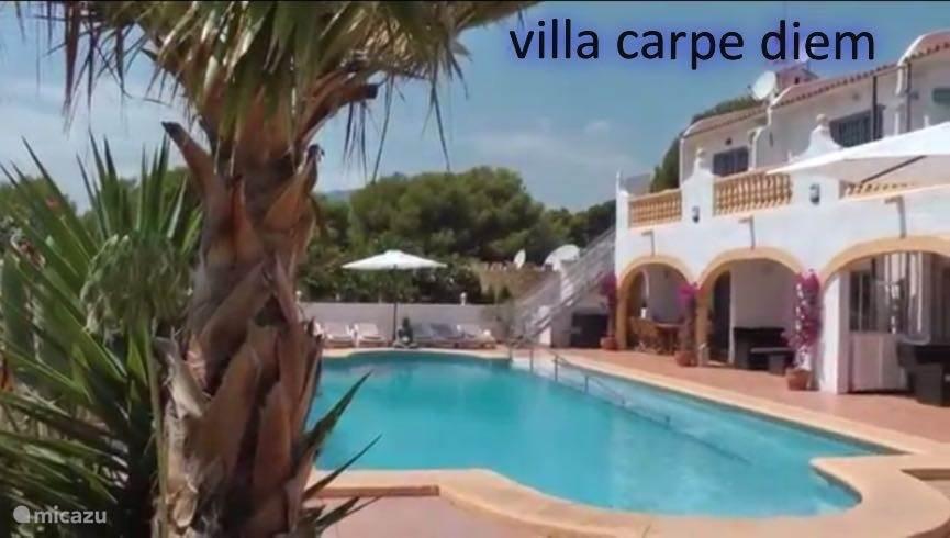 Villa Carpe Diem in de zomer.