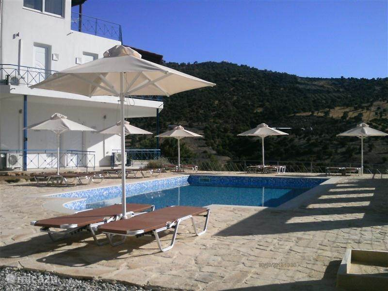 Vacation rental Greece, Crete, Agia Galini apartment Mesa Riza
