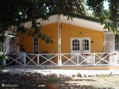 Vacation rental Curaçao, Banda Ariba (East), Seru Coral Bungalow Bungalow Melvyra Curacao (Lid van KvK)