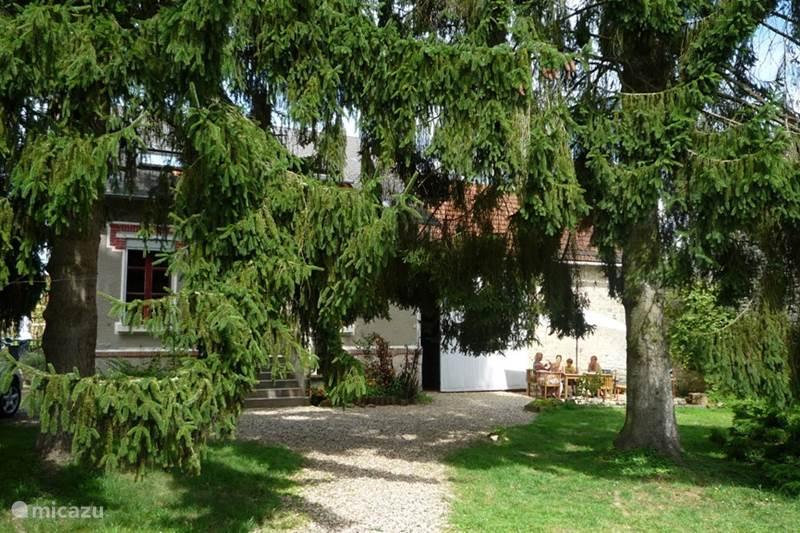 Vacation rental France, Aisne, Vendresse-Beaulne  Gîte / Cottage Les deux pins