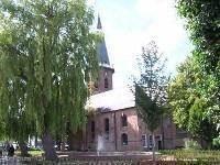 De in 2010 gerestaureerde Grote Kerk van Groede is zeker een bezichtiging waard.