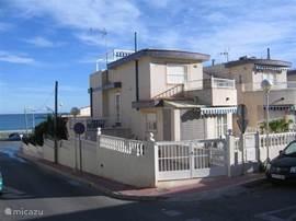 Op een toplocatie aan het strand bevindt zich strandhuis Argentina playa