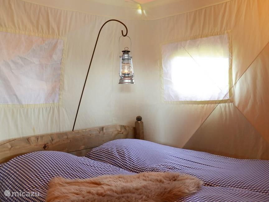masterbedroom met twee bedden