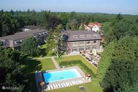 Westcord Hotel de Veluwe, met verwarmd zwembad voor onze gasten.