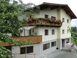 "Apartment from the outside. Links on the lower floor is Flat ""Auffach""."