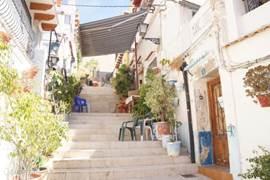 Alicante : een dagtrip waard, met een vooruitgestippelde wandeling tot in het onbekende van de stad......