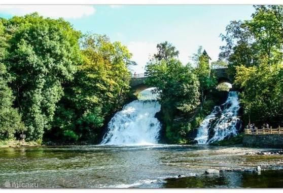 Absoluut een bezoekje waard...de watervallen van Coo op nog geen half uur rijden van ons huis. De grootste en bekendste waterval van België.
