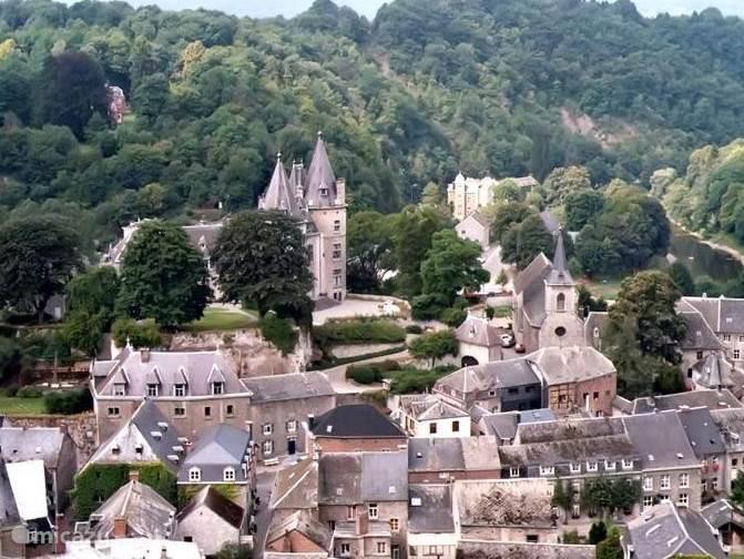 Het prachtige plaatsje Durbuy, volgens de inwoners de kleinste middeleeuwse stad ter wereld, moet u gezien hebben!