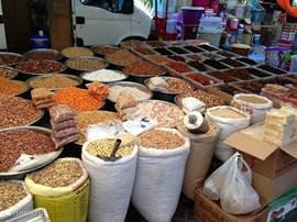 De wekelijkse markt in Kadriye en Belek! Met heerlijk vers fruit en groente.