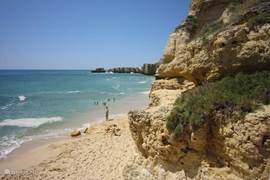 Eén van de vele stranden in de Algarve