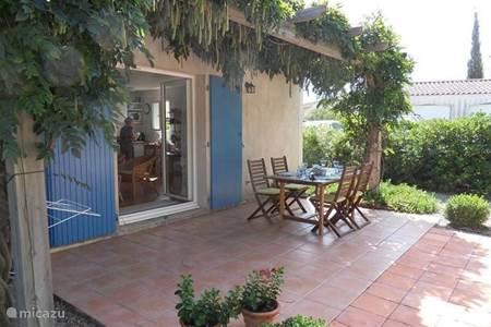 Villa villa jullien in roquebrune sur argens c te d azur frankrijk huren - Terras beschut ...