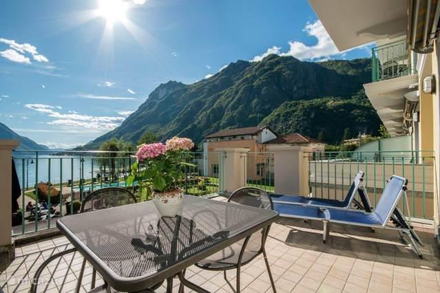 balkon met schitterend uitzicht meer van Lugano