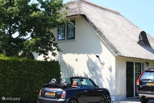 Ruime parkeermogelijkheden bij de cottage. Prachtige stadjes zoals Veere en Middelburg liggen op enkele kilometers afstand.