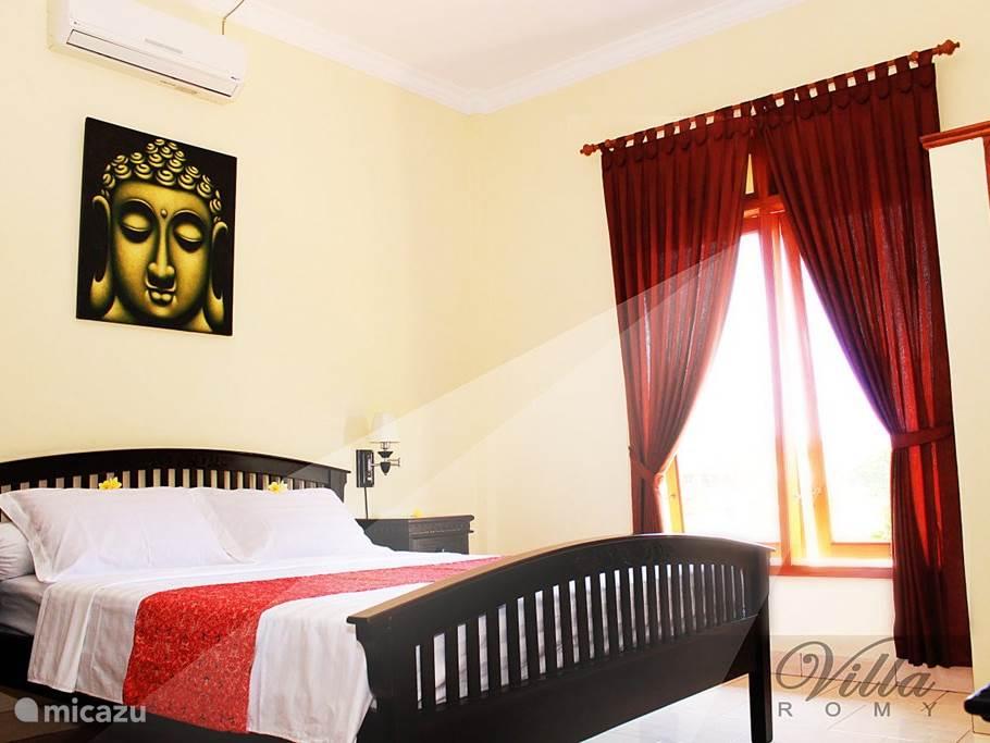 Slaapkamer 1 met 2 persoonsbed 1.60m-2.00m met airco