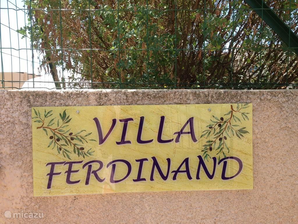 Welkom:Villa Ferdinand in Regusse