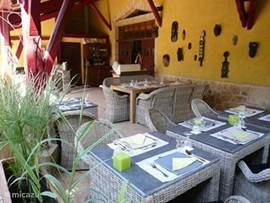 The covered terrace of our restaurant 3XTROIS