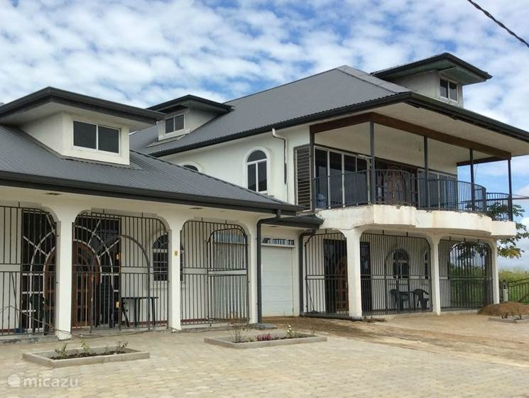 Vakantiehuis Suriname, Paramaribo, Paramaribo vakantiehuis Grote vakantie villa
