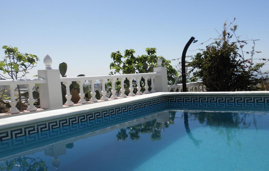 Luxe villa op toplocatie. Panoramisch zee en bergzicht. NL TV. Airco, Wifi, Speeltuin 'Een paleisje' 'van alle gemakken voorzien'