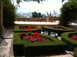 Het kasteel van Malaga is zo mooi. Het heeft de sfeer van het Alhambra en is 25 minuten rijden van de Villa.