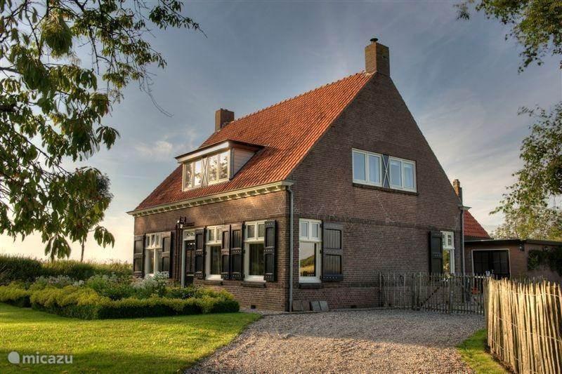 Vacation rental Netherlands, Zeeland, IJzendijke Farmhouse Hof Statendijk