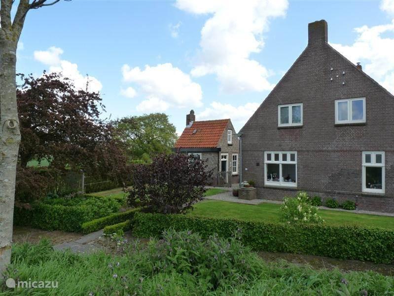 Rent farmhouse Hof Statendijk in IJzendijke Zeeland Netherlands Micazu