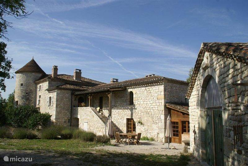 Vacation rental France, Lot, Pern manor / castle Fabre Vieux Château