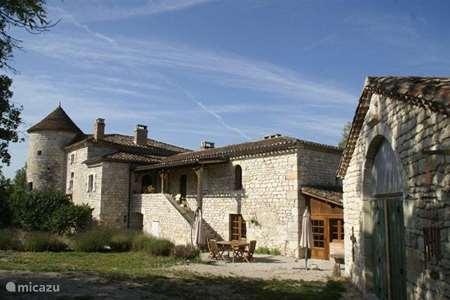 Vacation rental France, Lot, Pern manor / castle Château Fabre Vieux