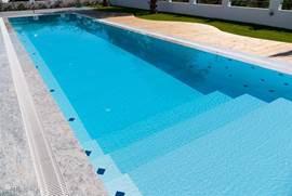 Zwembad met ondiep gedeelte