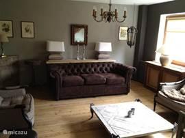 Andere kant van de woonkamer, zitgedeelte