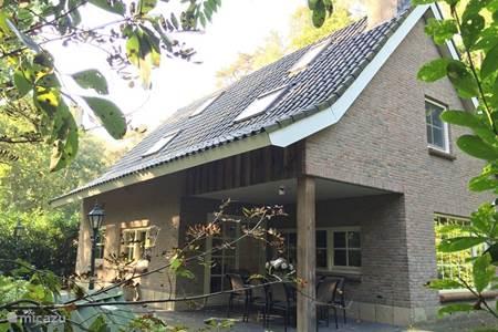 Vakantiehuis direct aan de bosrand