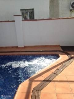 Nieuw, JACUZZI in zwembad!
