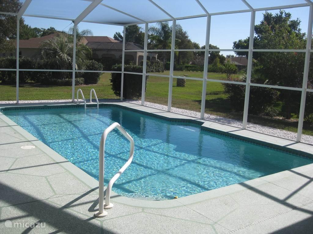 uitzicht rondom zwembad