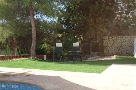 Vakantiehuis in moraira costa blanca spanje huren - Zwembad onder het terras ...