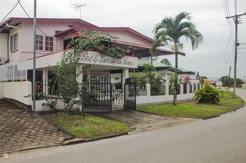 Vakantiehuis Suriname, Paramaribo, Paramaribo Vakantiehuis Casa de Flores