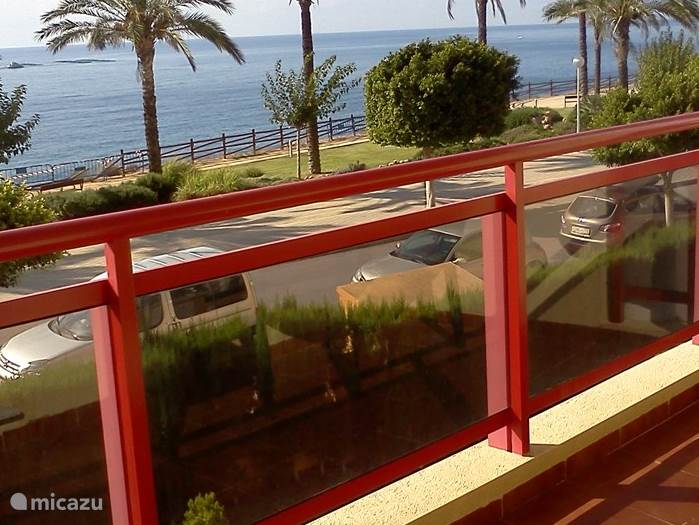 Winter sun, Spain, Costa Blanca, Villajoyosa (Benidorm), apartment Tellerola